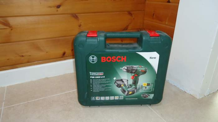 The Bosch PSB 1800 Li-2 in its carry box.