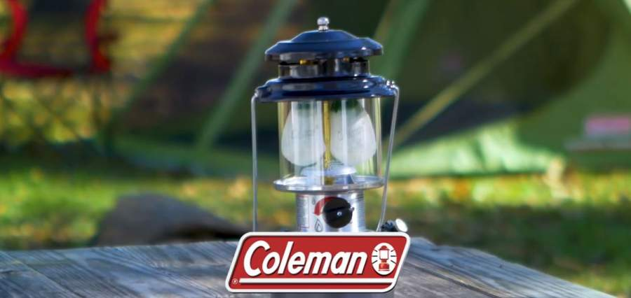 Green Coleman 600 Lumens LED Lantern with BatteryGuard